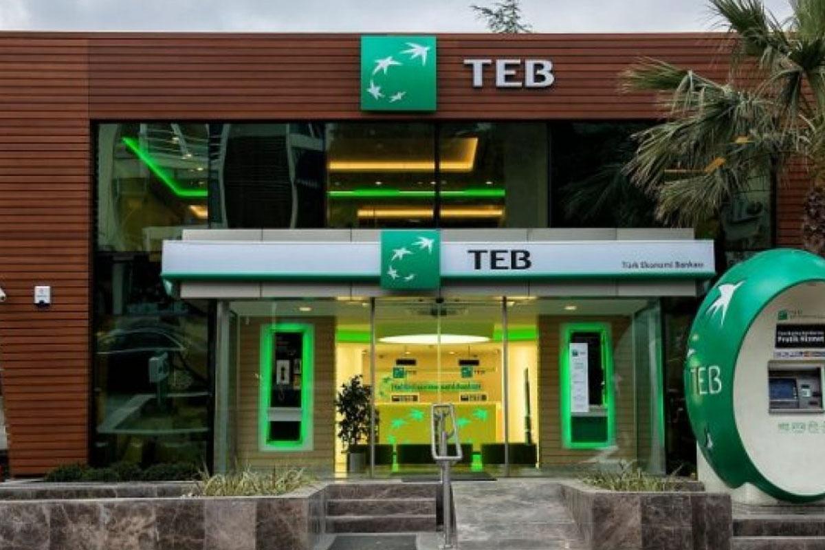 teb-sube-islem-yetkilisi-alimlari-yapiyor